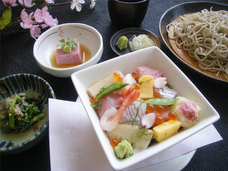 彩り花ちらし蕎麦御膳