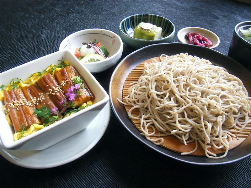煮穴子寿司蕎麦御膳