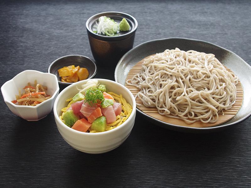せいろ蕎麦と海鮮アボカド小丼
