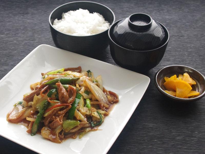 春野菜とホルモン炒め定食