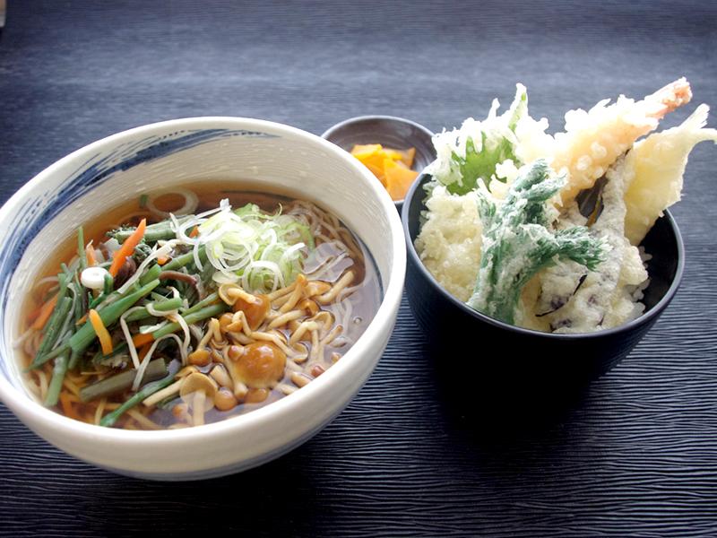 山菜なめこ蕎麦と小天丼